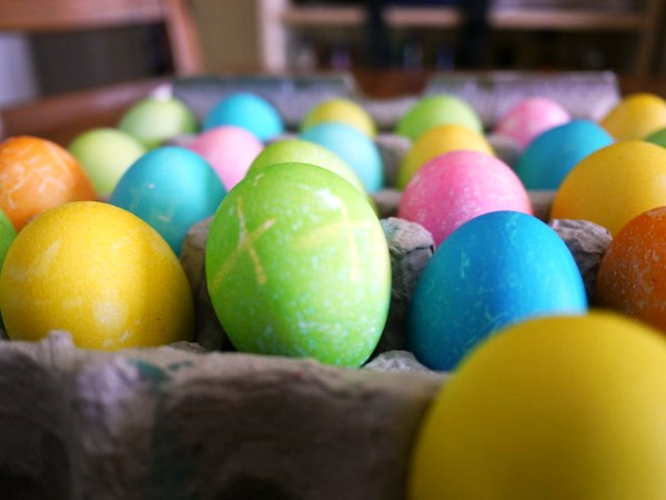 Color the Eggs